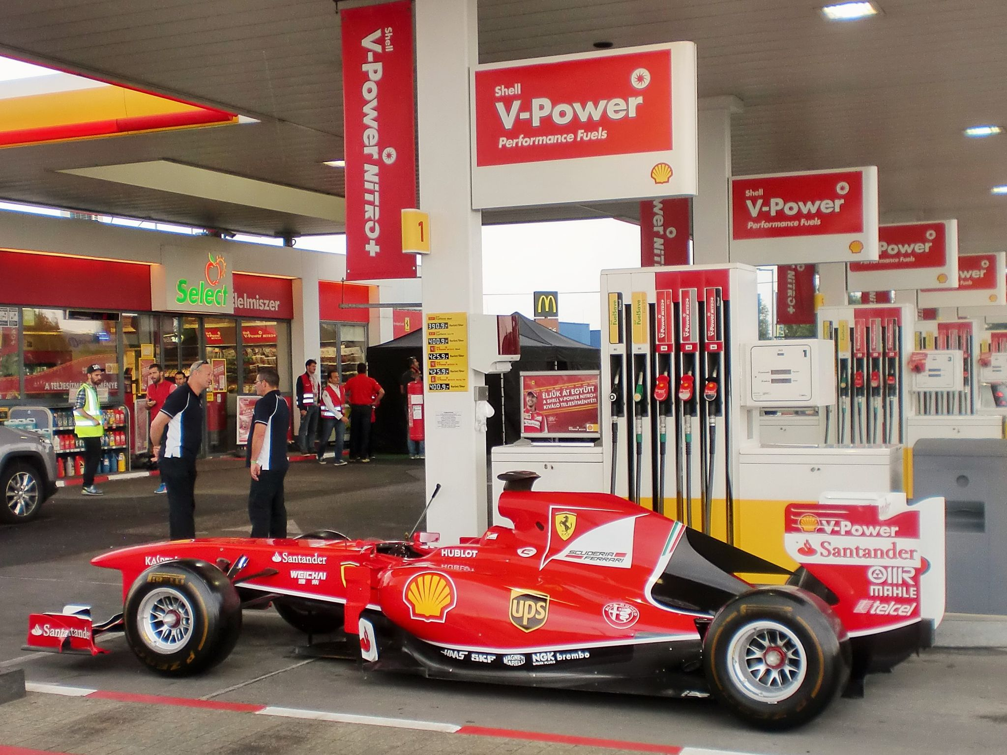 Shell V Power >> Shell V-Power: Just another day at a Shell station with Sebastian Vettel - Global Logistics ...